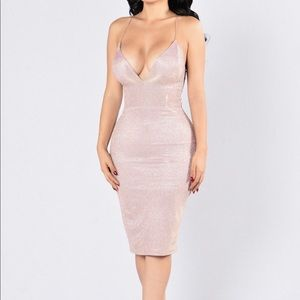 Dresses & Skirts - Blush sparkly iridescent midi dress